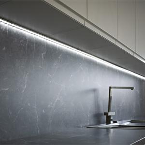 strisce-led-cucina